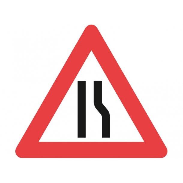 A43.3, 70 cm. Indsnævret vej i højre side
